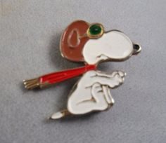 Vintage-Peanuts-Snoopy-Brooch-Pin-Enamel-United-Features