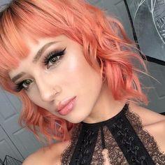 Pink And Orange Hair, Peach Hair, Hair Color Pink, Cool Hair Color, Pink Hair, Beauty Blogs, Beauty Products, Bare Minerals, Pixie Hairstyles