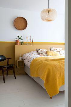A look inside the vintage paradise of Marij Hessel (Enter My Attic) - Eigen Huis en Tuin Home Decor Bedroom, Yellow Bedroom Decor, Bedroom Inspirations, Home Bedroom, Bedroom Interior, Bedroom Makeover, Bedroom Design, Interior Design Bedroom, Small Bedroom