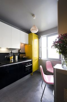 Grey, yellow and pink kitchen with small dining area | live from IKEA FAMILY