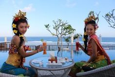 An afternoon tea time for the artists | Samabe Bali Resort & Villas