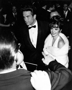 Natalie Wood and Warren Beatty arriving at the 34th Academy Awards in 1962.