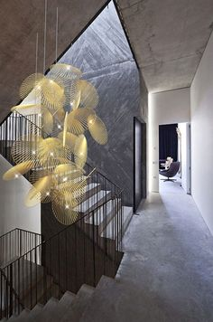 Contrast Interior Design - Interior designs are extremely critical in shaping the appearance of a home. So far as it goes, we're going to start seeing a lot more of this materia. by Joey Interior Lighting, Modern Lighting, Lighting Design, Lighting Ideas, Deco Luminaire, Luminaire Design, Blitz Design, Design Café, Vintage Industrial Lighting