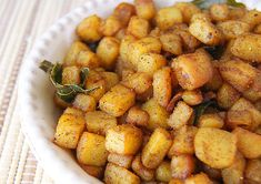 Potato Vepudu is a simple South Indian side, where Potatoes are cooked in oil with aromatic Indian spices, giving the dish crispy texture and amazing taste. Veg Recipes, Healthy Recipes, Healthy Food, Indian Vegetable Curry, Fried Potatoes Recipe, Christmas Morning Breakfast, Sweet Potato, Fries, Appetizers