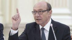 """Fostul președinte Traian Băsescu comentează, într-o postare pe Facebook, jocurile politice de după nominalizarea la coducereaSIEa social-democratuluiGabriel Vlase.  Concluzia lui Băsescu este că amânarea votării lui Vlase în Parlament arată că """"dacă sistemul vrea să îşi primească omul său în frunteaSIE, trebuie să-l scoată achitat pe Dragnea""""."""