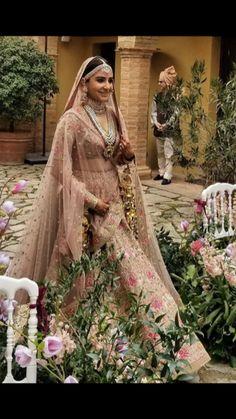 Bollywood actress Anushka Sharma in bridal look at Italy Indian Bridal Outfits, Indian Bridal Lehenga, Indian Bridal Fashion, Indian Bridal Wear, Pakistani Bridal, Indian Dresses, Bridal Dresses, Wedding Dress, Indian Wear