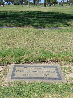 Evelyn Nesbit Grave Marker