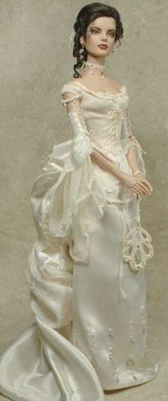 Barbie en robe blanche