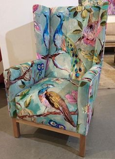 Funky furniture - What Graffiti Chair Is and What it Is Not Funky Furniture, Upholstered Furniture, Upcycled Furniture, Furniture Makeover, Furniture Decor, Painted Furniture, Furniture Design, Chair Upholstery, Rustic Furniture