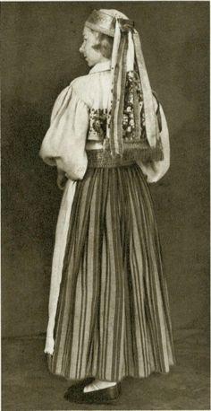 Женский костюм из Амбла Северная Эстония