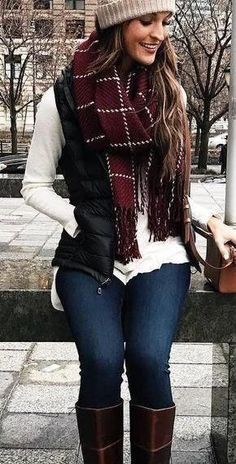 46 Winter Outfits Elegant with Boots for Ladies - Cute outfits/clothes - Simple Winter Outfits, Winter Fashion Outfits, Spring Outfits, Winter Style, Autumn Outfits, Fashion Dresses, Winter Scarf Outfit, Winter Vest Outfits, Maxi Dresses