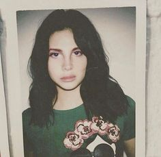 Lana Del Rey Polaroid- If you have the original photo (not cropped) please send it to me!