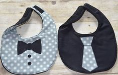 Gray Background and White Dots Two Piece Bib Set por sallyscrafts1