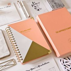 The 52-Week Happiness Journal : Focus on What Makes You Happy | The Happiness Planner®