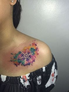 Winter tattoos and patterns mean new trends for the new year. New tattoo designs and top best winter patterns will surely give you the inspiration to get best makeover. Winter Tattoo, Snow Tattoo, Snow Flake Tattoo, Time Tattoos, Body Art Tattoos, Sleeve Tattoos, Tatoos, Schnee Tattoo, Tulip Tattoo