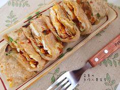 早餐常吃的蔥抓餅自己就能製作,成本便宜太多!餅皮灑上大把的蔥花,美味又簡單呢! FB:www.facebook.com/AnshaCuisine