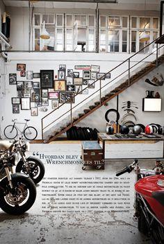 New motorcycle decor interior design garage Ideas Design Garage, Loft Design, House Design, Motorcycle Shop, Motorcycle Garage, Motorcycle Workshop, Bobber, Decor Interior Design, Interior Decorating