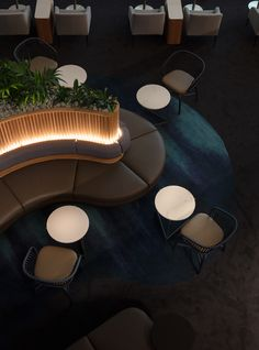 When it comes to getting a hotel ready to greet its guests, a lobby design is a tell-all. The entrance to a brand new world of luxury, these luxurious hotel lob Lounge Design, Lounge Bar, Design Café, Hotel Lounge, Lobby Lounge, The Design Files, Lounge Seating, Design Ideas, Design Trends