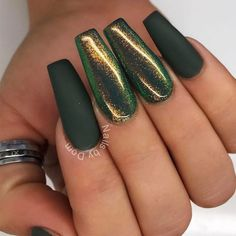 Fresh Green Nails Ideas To Get This Season ★ See more: http://glaminati.com/green-nails-ideas/ Shiny Nails, Fun Nails, Nice Nails, Dark Green Nails, Dark Green Nail Polish, Matte Nail Polish, Acrylic Nails, Shellac Nails, Coffin Nails