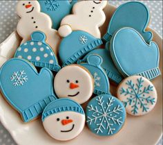 Cookie Decorating Party - Sugar Cookies with Royal Icing We'll be decoratin.- Cookie Decorating Party – Sugar Cookies with Royal Icing We'll be decorating snowmen, snowflakes, hats, and mittens this month. Cookies Cupcake, Easy Sugar Cookies, Christmas Sugar Cookies, Iced Cookies, Cute Cookies, Christmas Sweets, Christmas Cooking, Royal Icing Cookies, Sugar Cookies Recipe