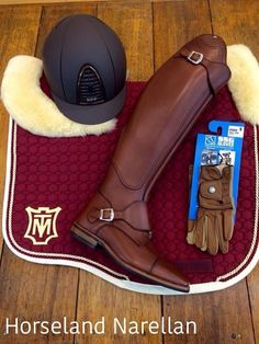 The most important role of equestrian clothing is for security Although horses can be trained they can be unforeseeable when provoked. Riders are susceptible while riding and handling horses, espec… Equestrian Boots, Equestrian Outfits, Equestrian Style, Equestrian Fashion, Golf Outfit, English Riding, Boating Outfit, Saddle Pads, Horses