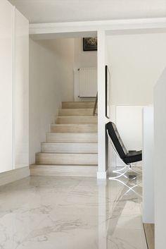 #interieur #tegel #keramische #calacatta #marmer #hal #gang #trap #appartement