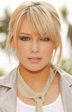 Hilary Duff - frangia laterale risalta la forma del viso #hair #blonde #fringe #newstyle