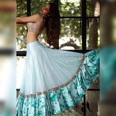 Party Wear Indian Dresses, Designer Party Wear Dresses, Party Wear Lehenga, Indian Gowns Dresses, Dress Indian Style, Indian Fashion Dresses, Indian Wedding Outfits, Indian Designer Outfits, Lehenga Wedding