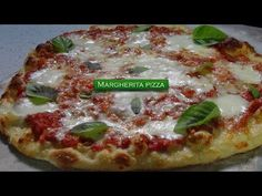 Margherita Pizza – Bruno Albouze – THE REAL DEAL - YouTube Pizza Recipes, Seafood Recipes, Best Carrot Cake, Fish Dishes, Main Dishes, Complete Recipe, Best Chef, Food Reviews, No Cook Meals