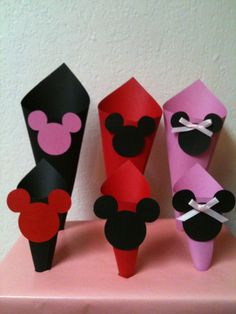 Mickey Minnie Mouse Candy Snack Paper Cones by AnnettesPartyFavors. These Are Super Easy to Make Yourself! Fiesta Mickey Mouse, Mickey Mouse Bday, Mickey Mouse Baby Shower, Mickey Party, Mickey Mouse Birthday, Mickey Minnie Mouse, Birthday Week, 1st Birthday Parties, Birthday Ideas