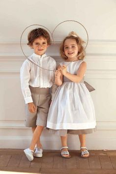 Trop de connexions 50 looks for holidays Twin Outfits, Toddler Outfits, Baby Boy Outfits, Kids Outfits, Toddler Girls, Boys Fall Fashion, Baby Girl Fashion, Toddler Fashion, Wedding With Kids