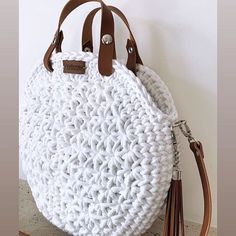 Best 12 Boho Crochet Bags – how to make your own OOAK bag – MotherBunch Crochet – SkillOfKing.Mochila bag with circle handles – ArtofitPin by Alice on Kleidung No instructions; Crochet Shoes, Crochet Clothes, Knit Crochet, Chrochet, Crochet Circles, Crochet Round, Crochet Handbags, Crochet Purses, Crochet Bags