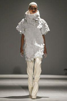 Gareth Pugh Ready To Wear Fall Winter 2014 Paris