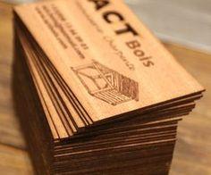 Gravure et découpe laser de cartes de visite en bois | découpe laser Plus