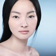 Asya ülkelerinde yaygın olarak kullanılan pirinç unu maskesi cildi güneşin zararlı ışınlarına karşı korurken beyazlatıcı etkisiyle sivilce ve güneş lekelerinin görünümünü hafifletiyor. Bu kategorideki diğer yazılar:Gözenek Sıkılaştırıcı Maske TarifleriKil Maskesi Nasıl Yapılır ve Neye Yarar?6 Farklı Kil Maskesi TarifiGöz Çevresi Kırışıklıkları İçin Maske (4 Maske Tarifi ve Tavsiyeler)Yumurta Akı Maskesi (Sivilceler Dahil 5 Maske Tarifi)Güneş…