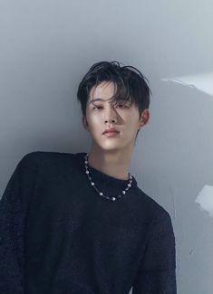 Kim Hanbin Ikon, Ikon Kpop, Ikon Leader, Ikon Wallpaper, Double B, Asian Celebrities, Fans Cafe, Losing A Dog, Yg Entertainment