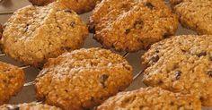 Você não precisa parar de comer biscoitos caso esteja tentando manter uma alimentação saudável. Há versões sem açúcar ou gordura de seus deleites favoritos, de forma que não é ...