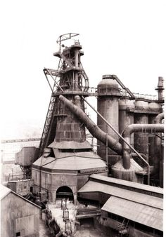 Bernd & Hilla Becher, Blast Furnace, Youngstown, Ohio 1983