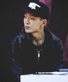 Discovered by kwon jiyong. Find images and videos about Ikon, bobby and kim jiwon on We Heart It - the app to get lost in what you love. Hanbin, Kim Jinhwan, Yg Entertainment, Just Love, Rapper, Ikon Debut, Bobby S, Mobb, Asian Babies