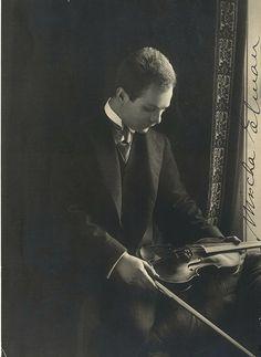 ๑ Nineteen Fourteen ๑ historical happenings, fashion, art style from a century ago - Mischa Elman, violinist, circa 1914.