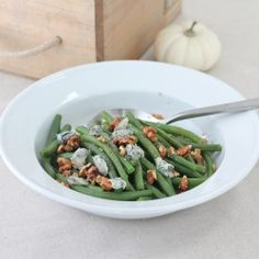 Gorgonzola green beans are a delicious and inspired Thanksgiving side that takes just minutes to make!