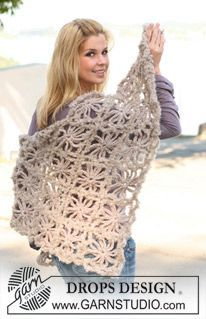 "Sea Of Flowers - Crochet DROPS shawl in ""Eskimo"" and ""Puddel"". - Free pattern by DROPS Design"