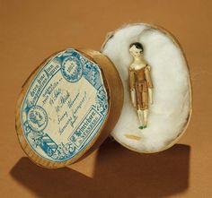 Bread and Roses - Auction - July 26, 2016: 233 Tiny Grodnertal Wooden Articulated Doll