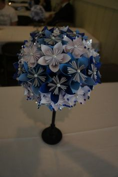 paper flower centerpiece :  wedding flowers paper 579694 10150957648743523 513878522 11749908 649152205 N