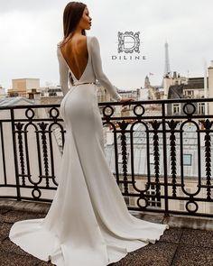 Jer ima dama koje vole svedeno... One sijaju i u najjednostavnijoj 🤩✨✨✨ #diline #dilinedresses #newcollection #weddingdress #wedding… Long Bridesmaid Dresses, Formal Dresses, Wedding Dresses, Mermaid Wedding, Dress To Impress, Beautiful Dresses, Fashion, Shoe Designs, Dresses For Formal