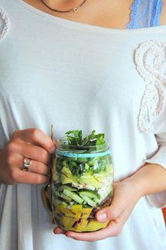 Salada de pepino, beterraba e feta #receitas #saladas #vegetais #paralevar #queijo #semglúten #vegetariano #principais #semhidratos #nofrasco