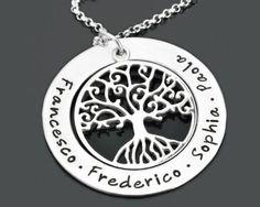 Eine Familienkreis Kette mit einem Lebensbaum mit Ihren Wunschnamen von www.galwani.de