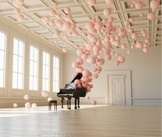 Have a Beautiful Weekend! Enchanting music and balloon art installation by federico picci Pink Balloons, grand piano, balloon installation. Happy Birthday Wishes, Birthday Greetings, Birthday Cards, Happy Birthday Piano, Bolo Floral, Fiestas Party, Balloon Installation, Light Installation, Pink Balloons