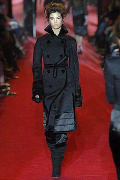 Saint Laurent Fall 2004 Ready-to-Wear Fashion Show - Marija Vujovic