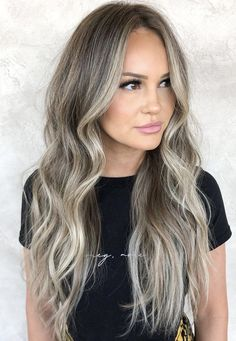 We've got tons of summer hair inspiration, from caramel-kissed brunettes to honey-dripped blondes to rose quartz-inspired brown. Get to scrolling, pinning, and swooning—these are the most stunning summer highlights. Hair Color Purple, Cool Hair Color, Brown Hair Colors, Ash Blonde Balayage, Brown Blonde Hair, Bronde Haircolor, Golden Blonde, Ice Blonde Highlights, Summer Highlights